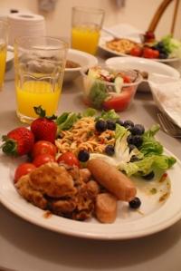 R's plate arrangement
